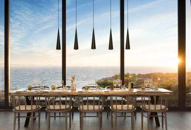 Stella - более формальный ресторан курорта (Люкс)