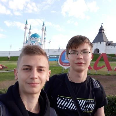 Илья Покаместов
