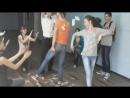 Qizlar öz reqsi ile neyi var oynadi 👍 Gülməkdən öldürən videolar - 2018.mp4