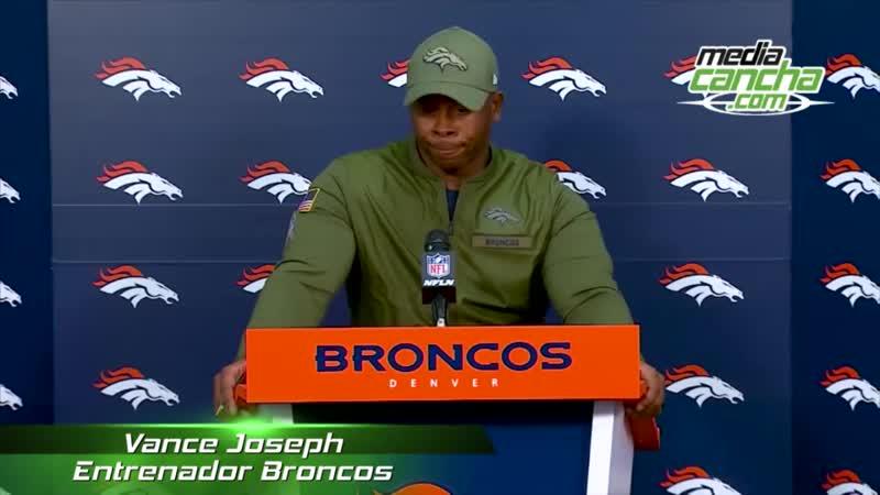 Elway asegura que Joseph se mantendrá al timón de Broncos en NFL 2018