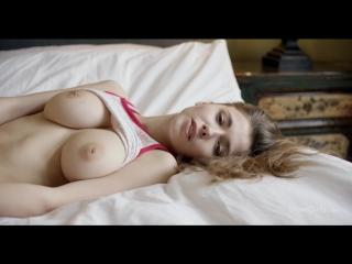 Milla azul (morning wetness)[2018, solo, big tits, masturbation, hd 1080p]