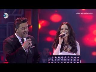 Beyaz Show - Fahriye Evcen Hasretinle Yandı Gönlüm şarkısını canlı söyledi