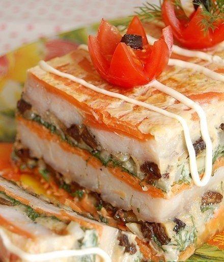 Рыбный торт Ингредиенты: 600-700 г филе любой