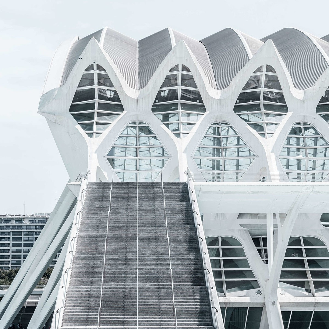 Great Shots of White Architecture in Valencia