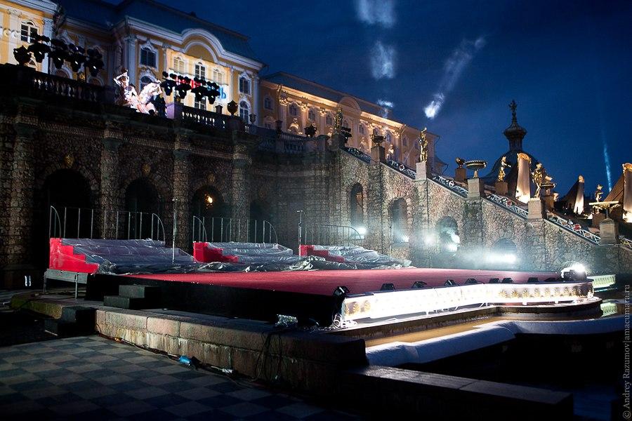 Праздник закрытия фонтанов в Петродворце