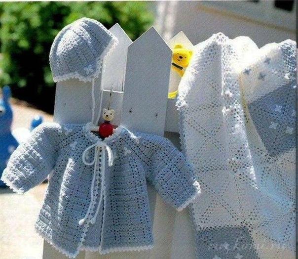 Комплект для новорожденного вязаный крючком, схема по ссылке: http://ru4kami.ru/...