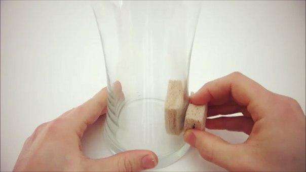 Как мыть высокие стаканы и вазы изнутри