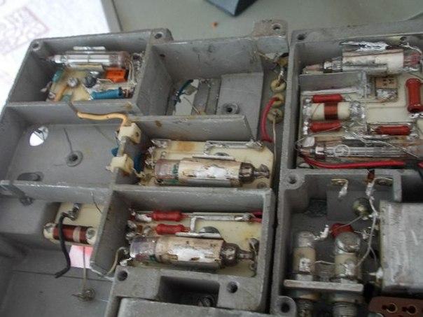 Простой регенеративный УКВ-ЧМ приемник на четырех транзисторах