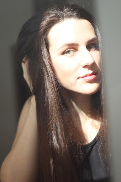 Лариса Шуварикова