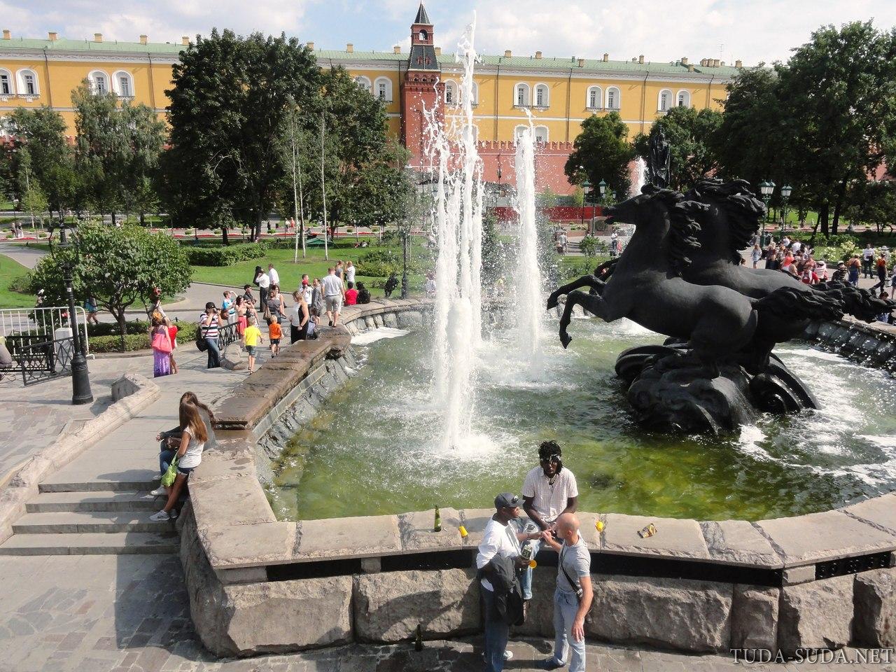 Александровский сад Кремль фото