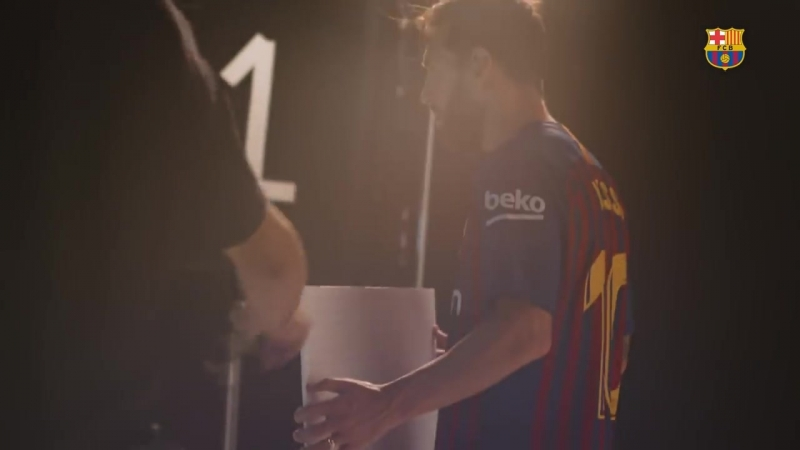 Barça's 2018-19 new kit photo shoot.mp4