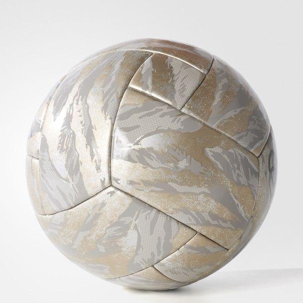 Футбольный мяч Paul Pogba Limited Edition