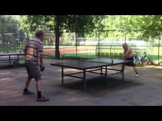 Парковый теннис ветеранов