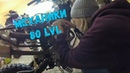 Регулируем клапана на питбайке Wels 250 Девушка ремонтирует мотоцикл