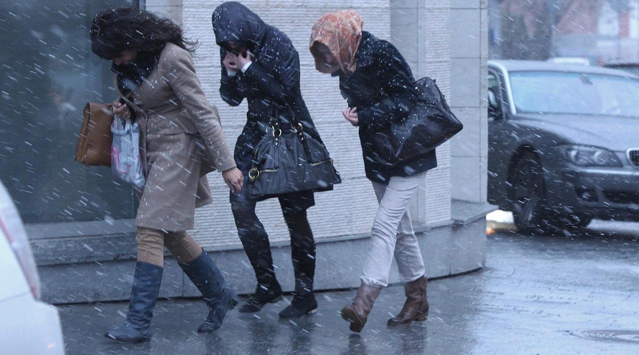 В городе Таганроге ожидается ухудшение погодных условий, ветер до 23 м/с