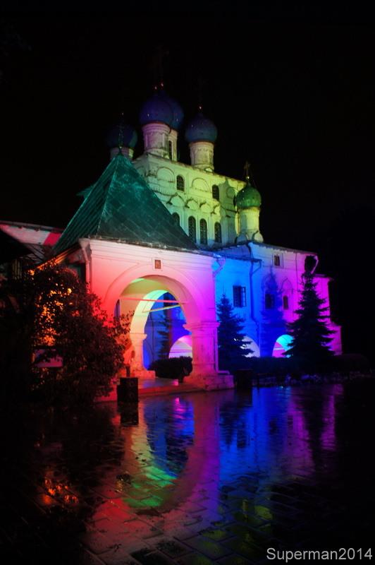 "Festival ""Circle of Light"": Kolomenskoye Bolshoi, theater, became, Kolomenskoye, ""Circle, light"", See, very, gate, Rowing, festival, capital, channel, Tsaritsyno, light, Victorious, impossible, Templarist, Front, George"