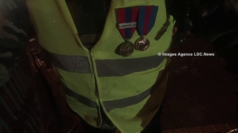 La tombe du Soldat Inconnu préservée de lextrême gauche. ParisFrance - 1er Décembre 2018