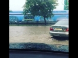 Автомобиль Алены Свиридовой едва не утонул во время потопа в Керчи
