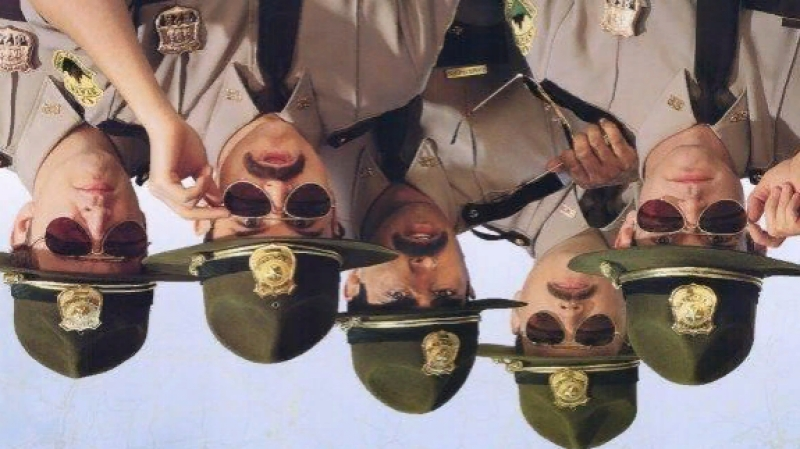 Супер полицейские / Super Troopers - комедия, криминал, детектив. США, 2001