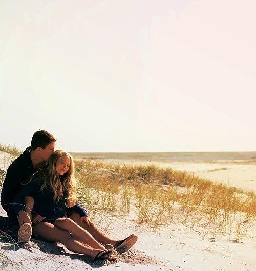 У стосунках між хлопцем та дівчиною не повинно бути чужої думки чи чужих порад. Зі сторони не видніше, зі сторони заздрішніше.