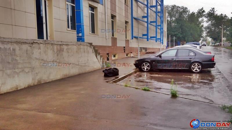 В Новочеркасске выставили оцепление вокруг бесхозной спортивной сумки