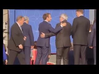 Juncker erklärt, warum er so oft besoffen ist