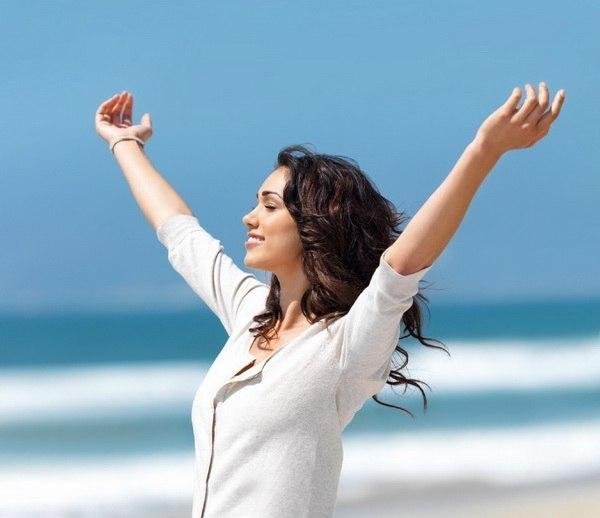 Радуйтесь жизни... Смейтесь от счастья... Улыбок не прячьте... назло всем несчастьям... Живите, любите, безумно и страстно... Грустить не спешите... ведь жизнь так прекрасна!!!