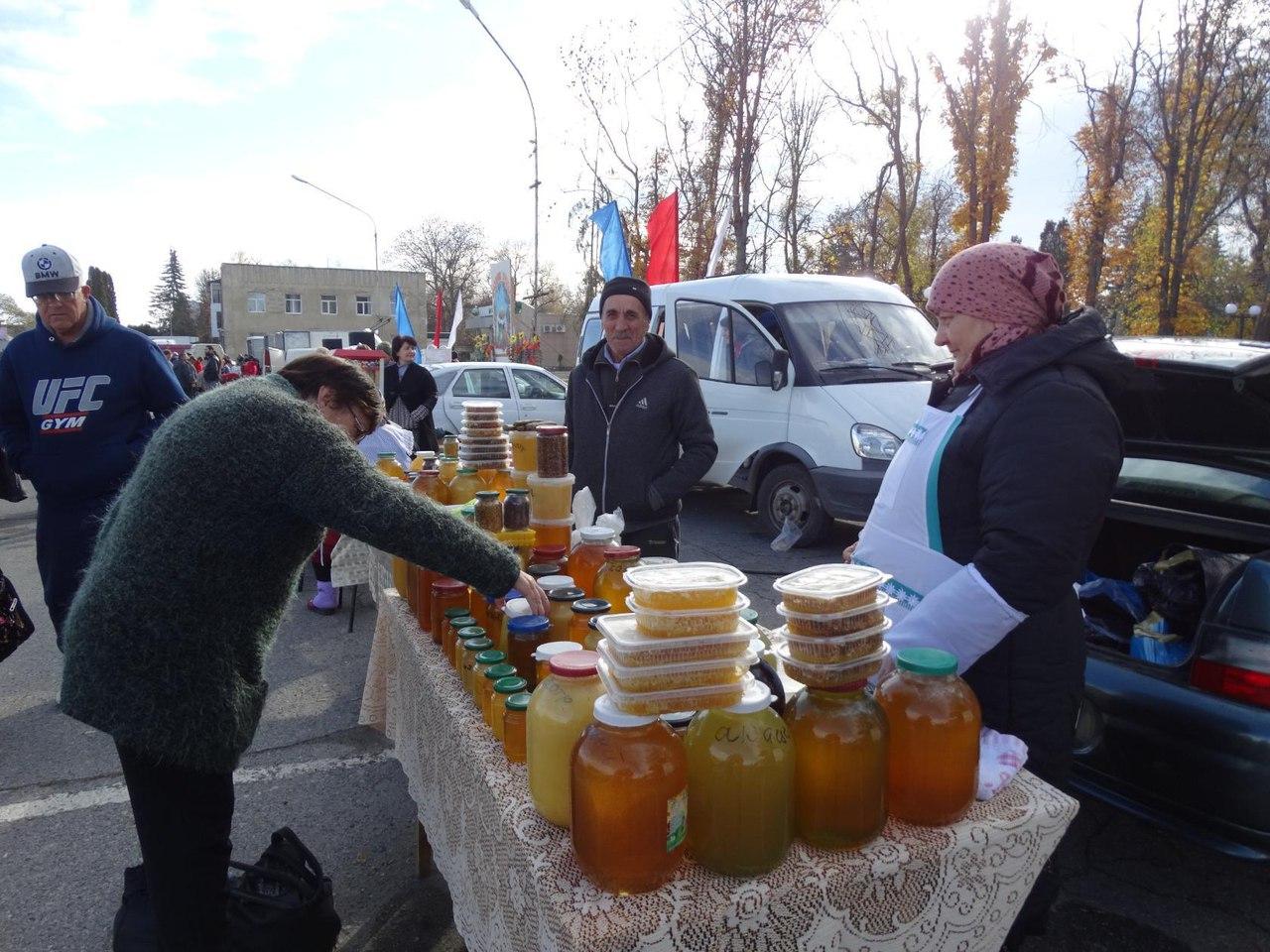 Жители Зеленчукского района не увидели заниженных цен на осенней ярмарке