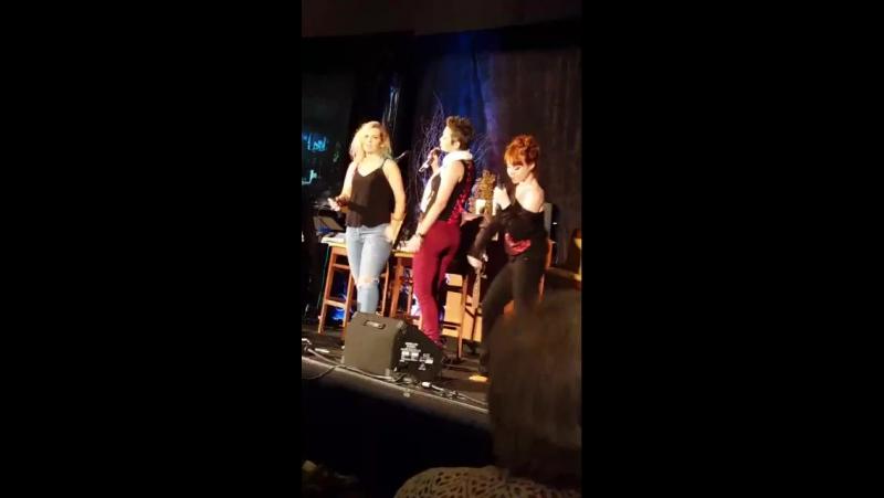 Бриана Бакмастер, Ким Родс и Рут Коннелл на конвенции в Атланте SpnAtl