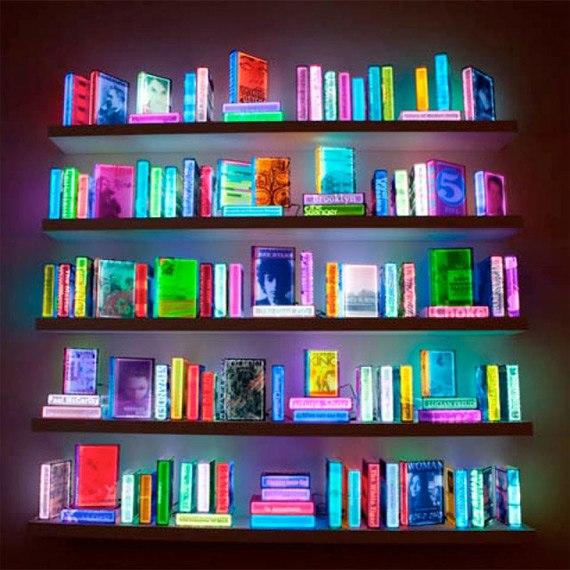 Наполнить комнату светом можно разными способами.