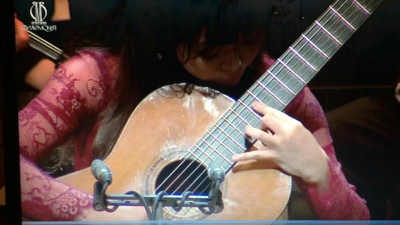 Родриго «Аранхуэс» — концерт для гитары с оркестром Пак Кю-хи (гитара)