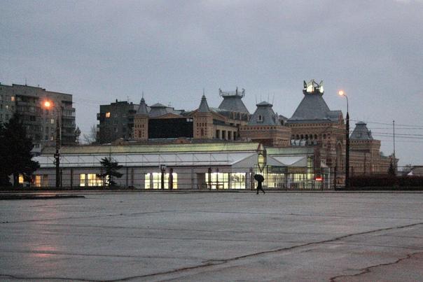 Ярмарка со стороны площади