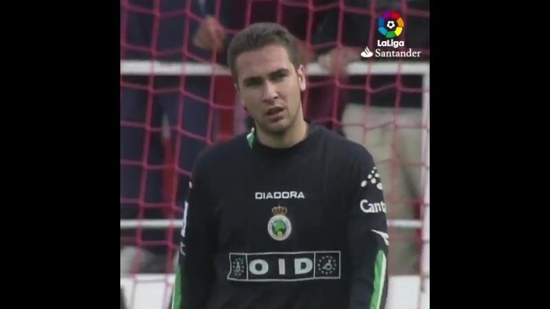 La Bestia y La Bestia - - TalDíaComoHoy, hace 14 años, HULIO @J_Baptista81 hacía un póker con el @SevillaFC en el Sánchez-Pizjuá