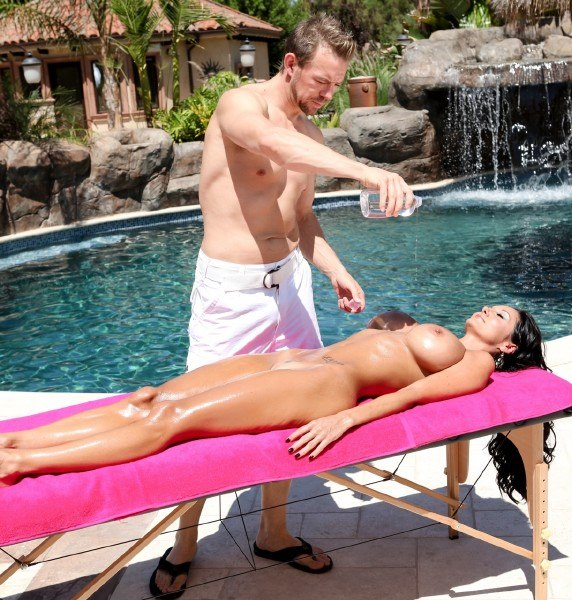 Ava Addams's Hot Oil Massage – HardX.com