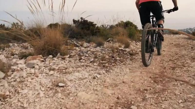 The Giros - El Camino Loco