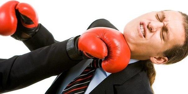 Человек не сможет «вырубить» самого себя собственным кулаком