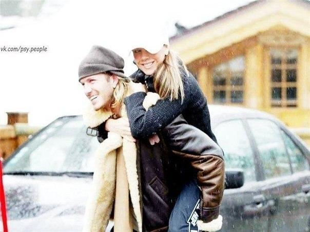 Мужская забота в наше время - это такая редкость, что за нее становится неудобно и все время хочется благодарить.
