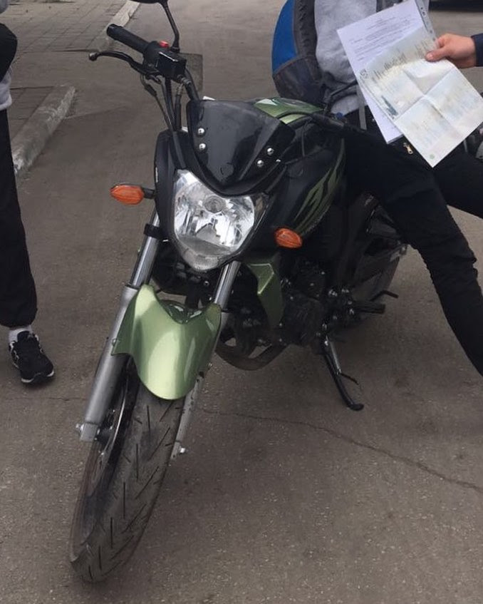 1Gqf682GAN0 - Инспекторами ДПС на переулке Почтовом был замечен несовершеннолетний, передвигающийся на мотоцикле по дороге общего пользования.