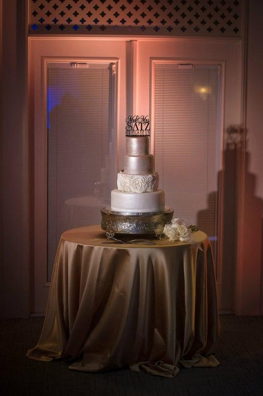 A8rp 3cWa3Q - Золотые и серебряные свадебные торты 2016 (70 фото)