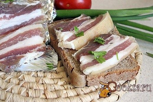Грудинка соленая по-домашнему Вкусная и ароматная свиная грудинка, приготовленная в домашних условиях.