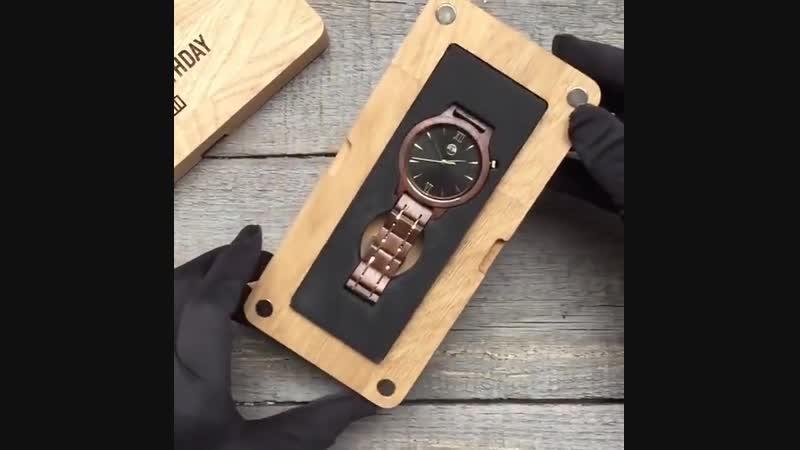 Потрясающие часы из тёмного сандалового дерева!