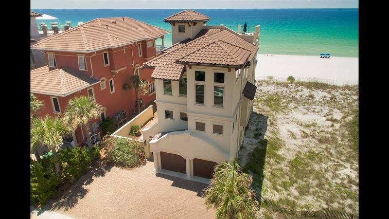 Inviting Beachfront Retreat in Destin, Fllorida | Sotheby's International Realty