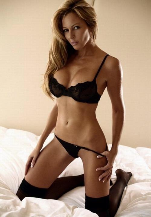 Take pleasure in stripling does huge dildo