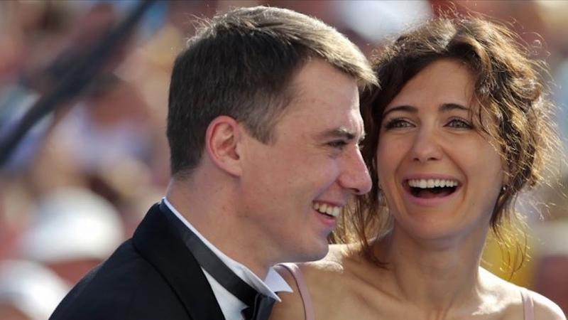 А может чувства не угасли Климова появилась на публике с бывшим мужем