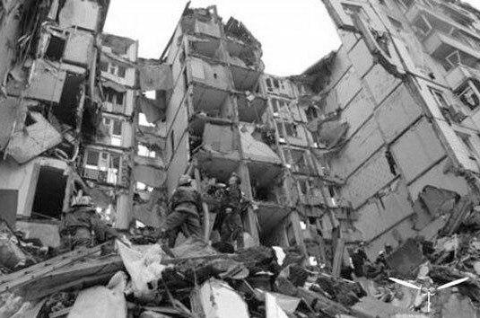 В 1999 году 9 сентября произошел теракт на ул Гурьянова в Москве. Был взорван жилой дом 19. 100 человек погибло, 690 получили ранения.Всего в сентябре 1999-го в РФ при взрывах жилых домов