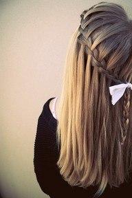 Косы поверх распущенных волос