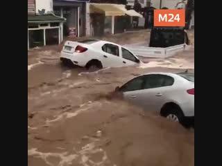 В Турции затопило популярный курорт