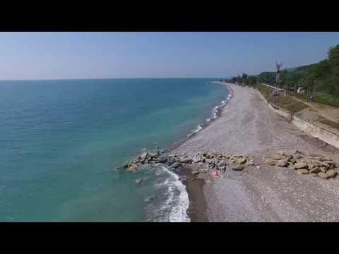 Сочи Лазаревское полет Аше выросли широкие пляжи от выложенных бунов 4К