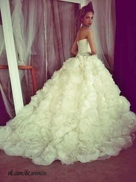 Пышные шикарный свадебные платья