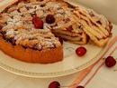 Многослойный пирог с черешневым вареньем